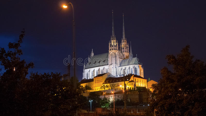 圣皮特圣徒・彼得和保罗,布尔诺大教堂夜照片  免版税图库摄影