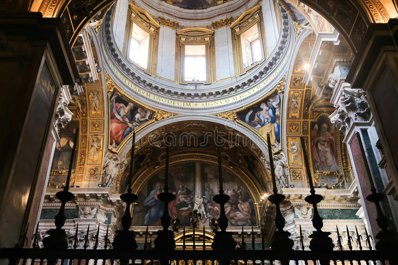 圣皮特圣徒・彼得大教堂的内部,梵蒂冈 免版税库存照片