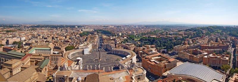 罗马全景从圣皮特的大教堂的 免版税库存照片