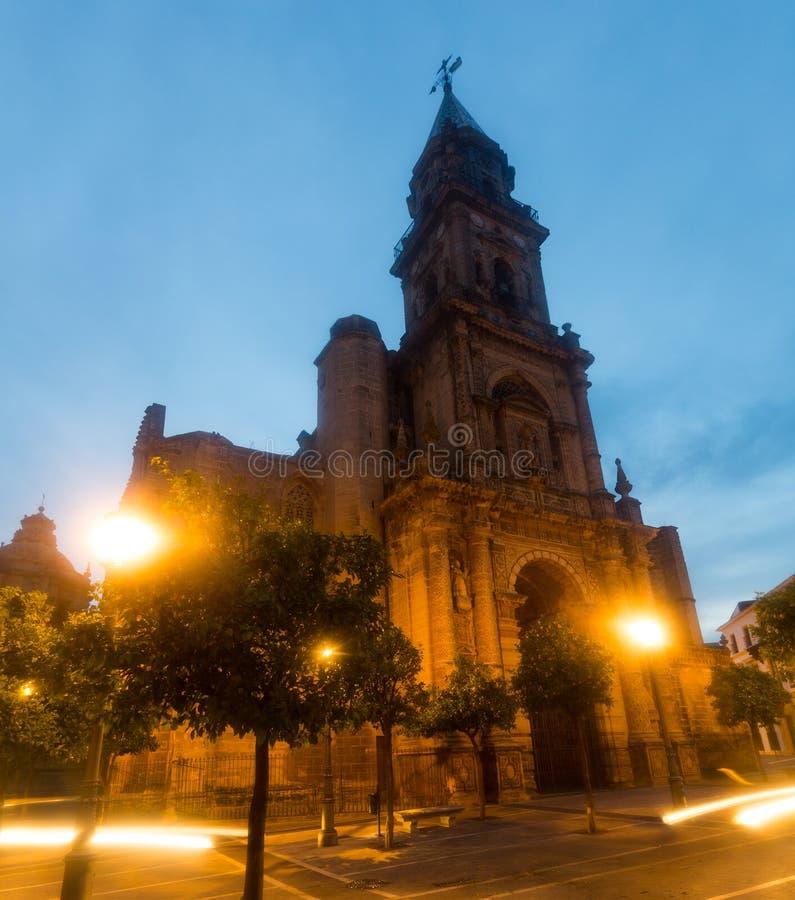 圣米格尔火山教会日落视图  children ・ de复活节欧洲弗隆特里赫雷斯la队伍西班牙 库存照片