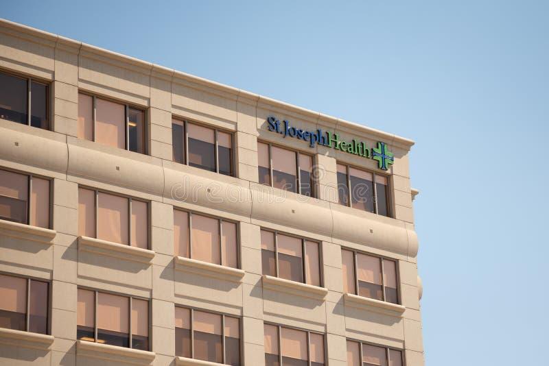 圣约瑟夫健康大厦标志 库存图片
