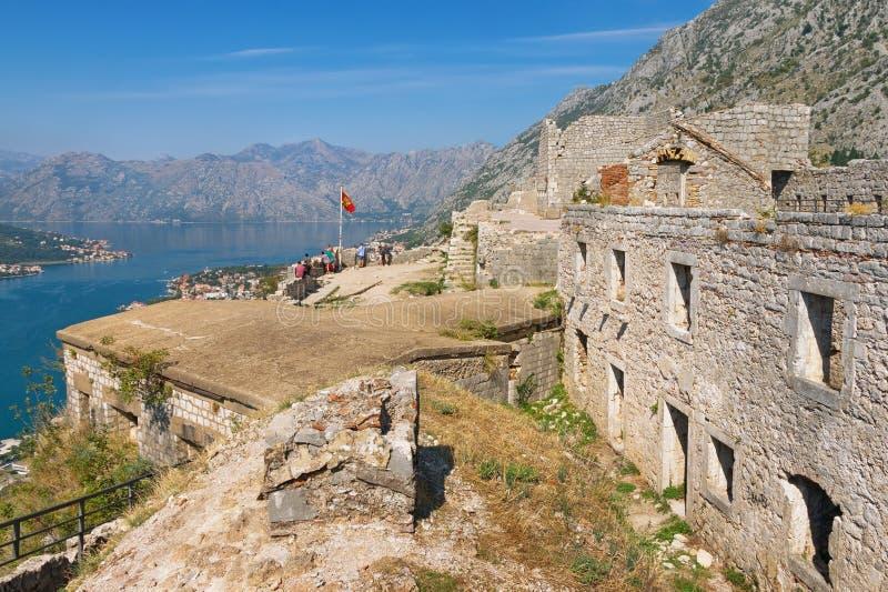 圣约翰和科托尔湾堡垒看法  黑山 免版税库存照片