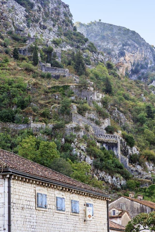 圣约翰堡垒在科托尔,黑山 免版税库存图片