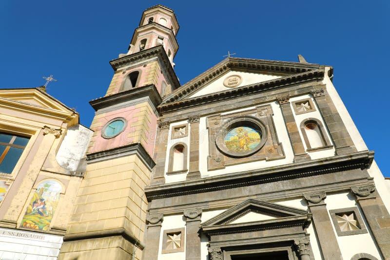 圣约翰门面维耶特利苏玛雷,阿马尔菲海岸,意大利施洗约翰教堂  库存照片