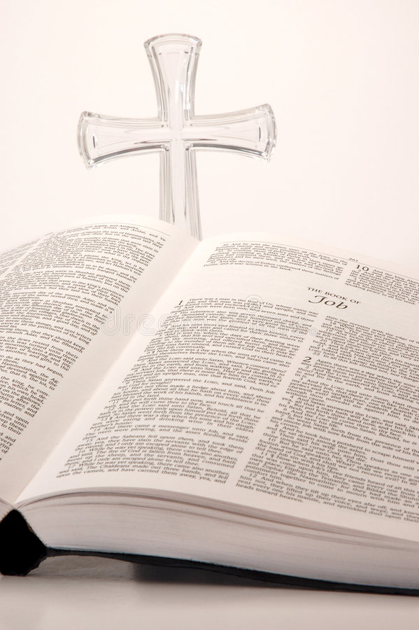 Download 圣经交叉 库存图片. 图片 包括有 钉书匠, 塑料, 祈祷, 生活, 耶稣, 书目, 研究, 结算, 开放 - 3660003