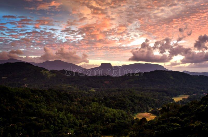 圣经岩石是山在Aranayake附近在凯格勒区在斯里兰卡中部 库存照片