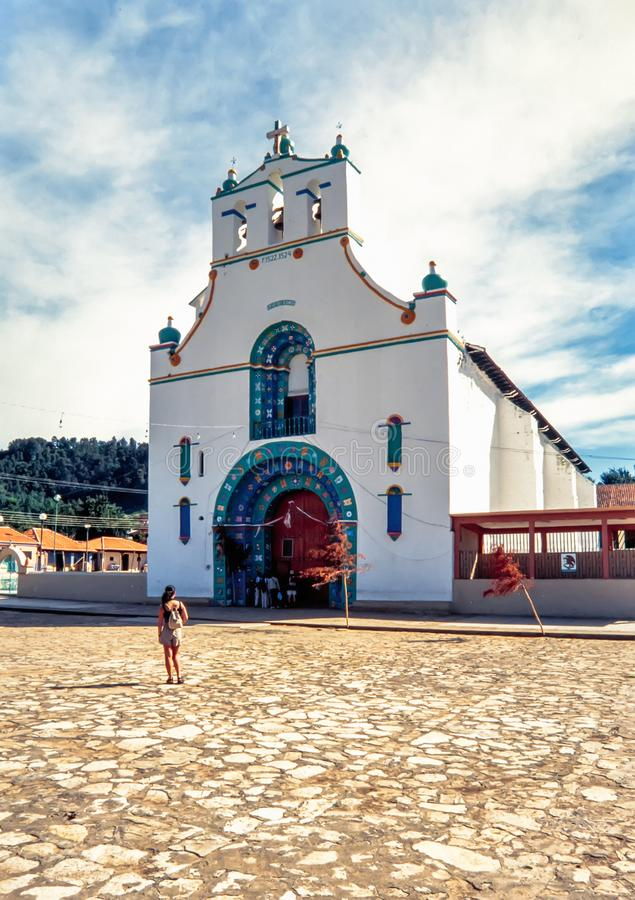 圣胡安教会在圣胡安Chamula,恰帕斯州镇  免版税库存图片