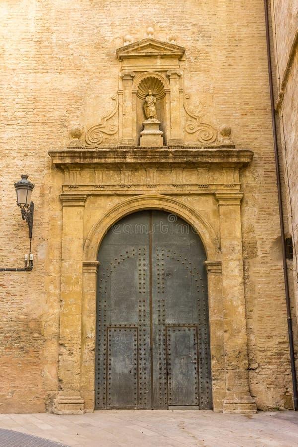 圣胡安de la Cruz教会的门在巴伦西亚 免版税库存照片