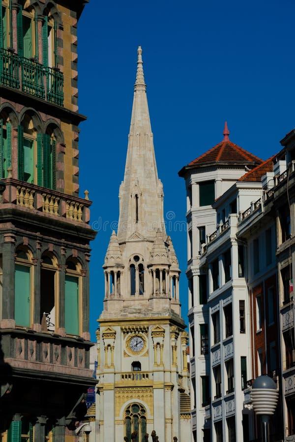 圣荷西从Moyua广场的教堂钟塔 免版税图库摄影
