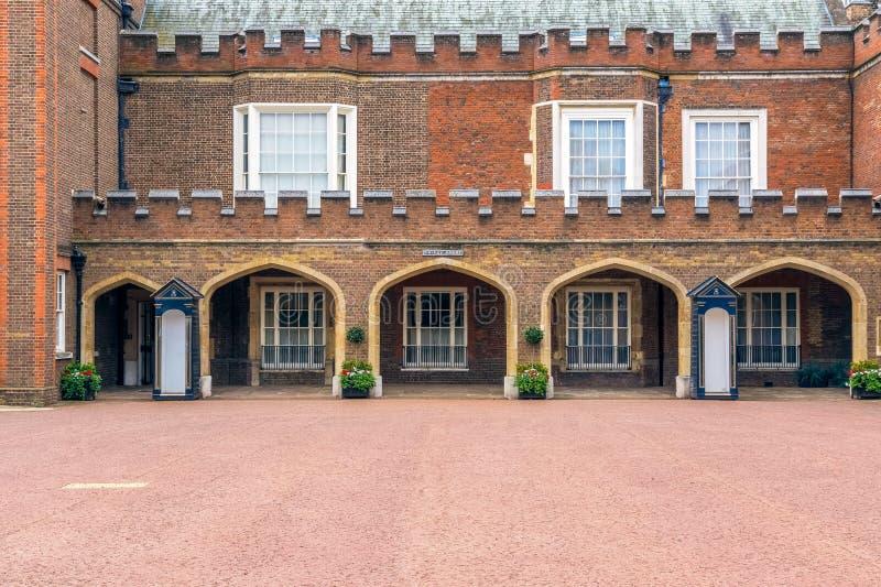 圣詹姆斯宫殿在伦敦 免版税库存图片