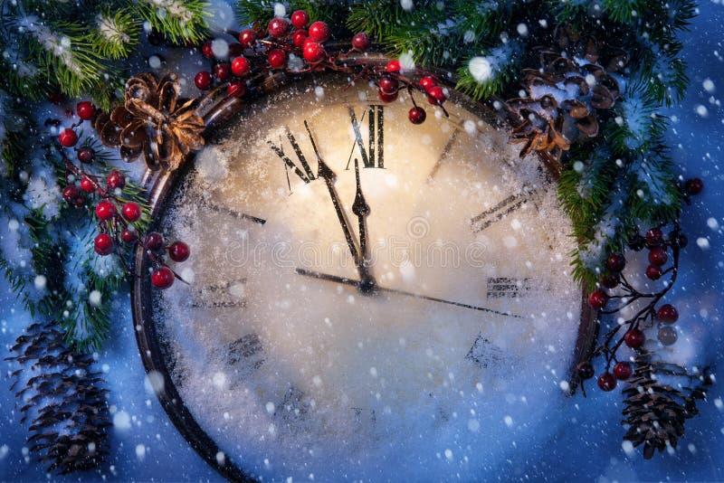 圣诞前夕和新年度在午夜 库存照片