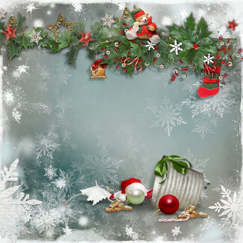 圣诞卡片与一个装饰的绿色分支和玩具和与文本的一个空的地方 免版税图库摄影