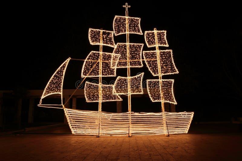 圣诞夜船 免版税库存照片