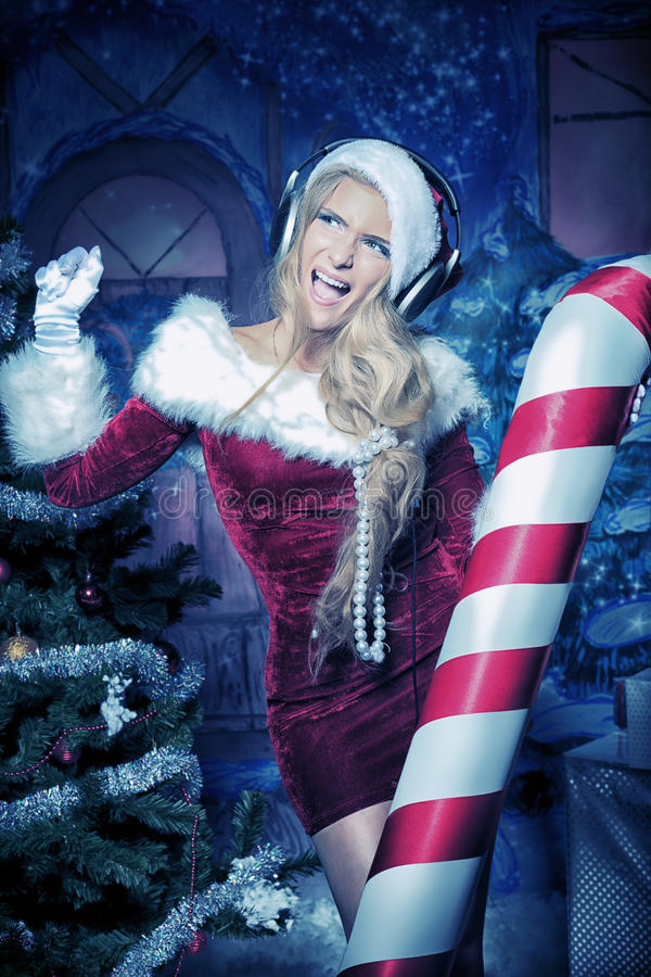 Download 圣诞晚会 库存图片. 图片 包括有 糖果, beauvoir, 快乐, 背包, 圣诞节, 克劳斯, 跳舞 - 22355569