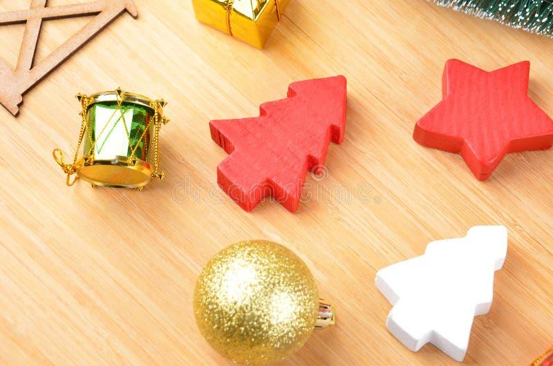 圣诞树和装饰 库存照片