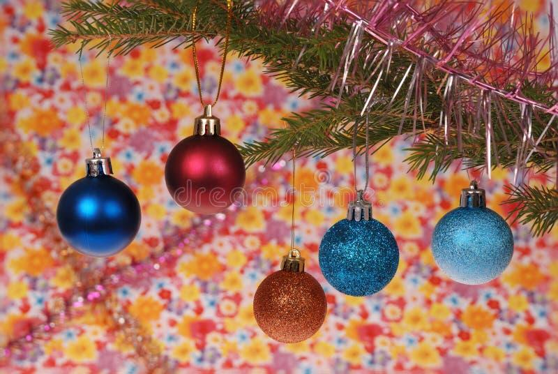 圣诞树成套装备,圣诞节玩具 免版税库存图片