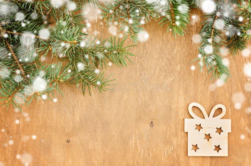 圣诞树框架和木纪念品 免版税图库摄影