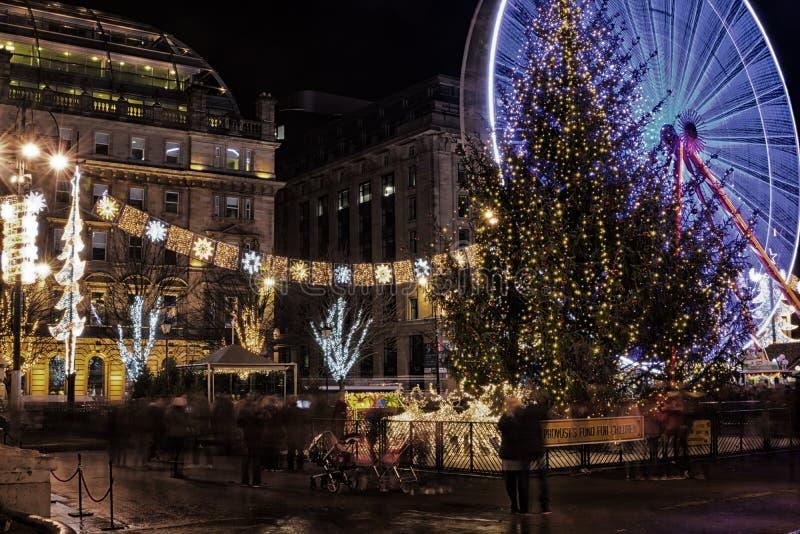 圣诞灯、圣诞树和圣诞节市场在乔治 免版税库存照片