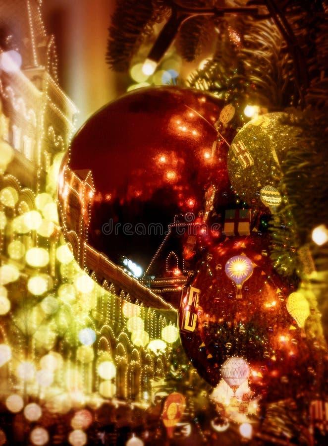 圣诞灯在城市,背景 免版税图库摄影