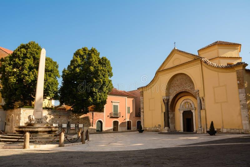 圣诞老人索非亚教会在贝内文托意大利 库存图片