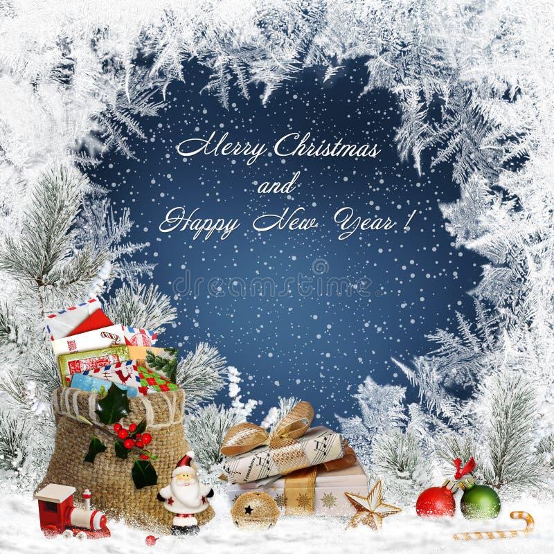 圣诞节与礼物、圣诞节装饰、圣诞老人、杉木分支、袋子信件,甜点和冷淡的问候背景 向量例证