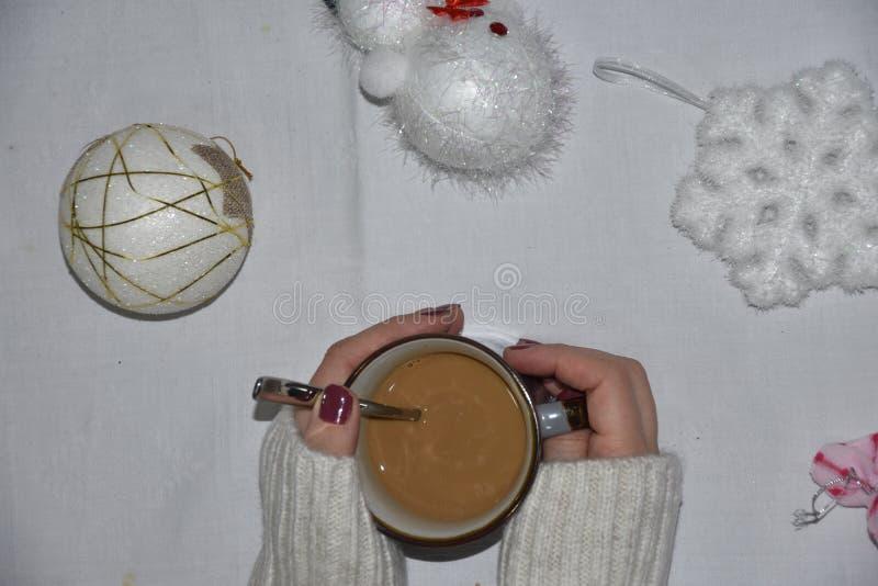 圣诞节与装饰和coffe的家构成 免版税库存照片