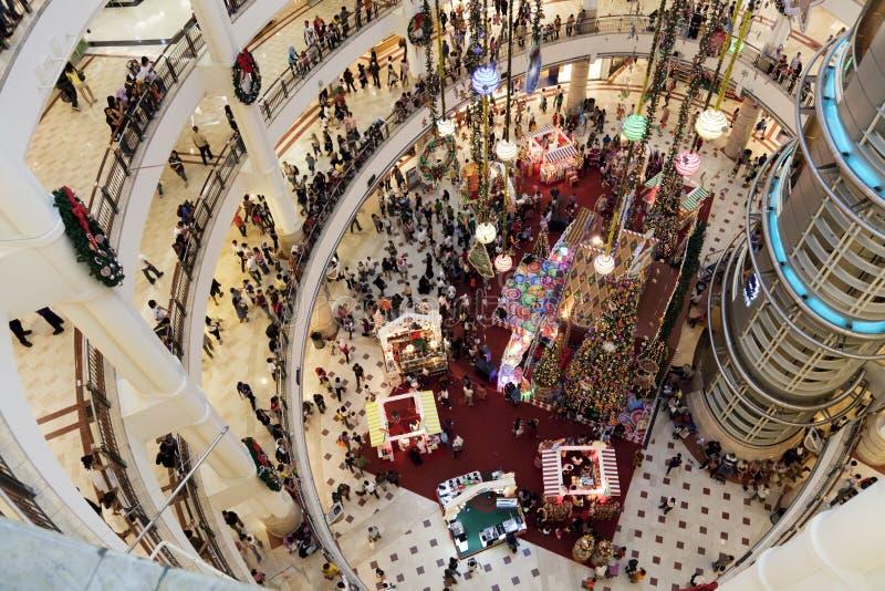 圣诞节人群购物 库存照片