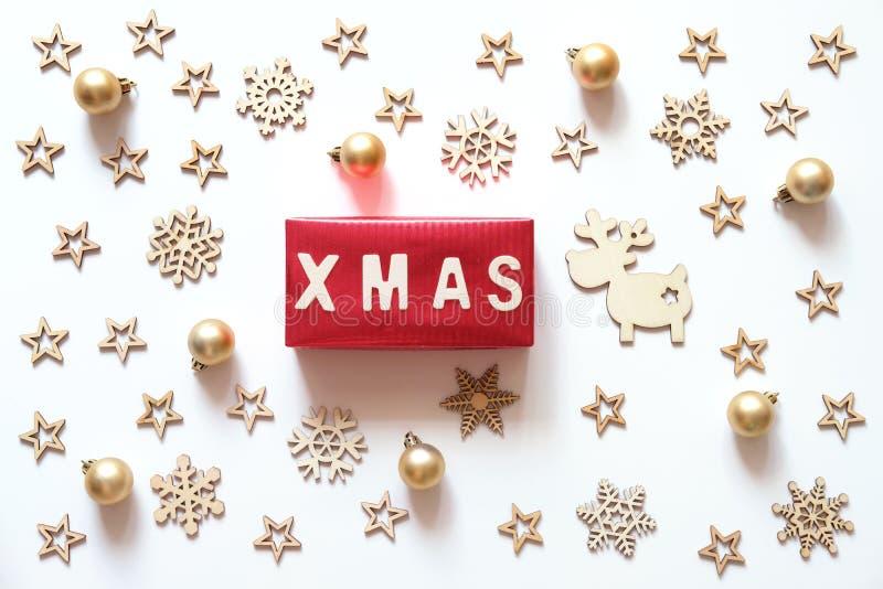 圣诞节假日背景 Xmas词由木信件做成 库存图片