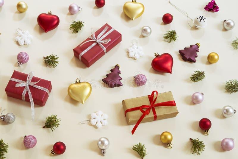圣诞节和新年装饰品 免版税库存照片