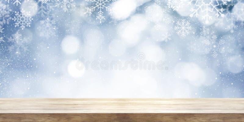 圣诞节和新年题材背景 与winte的木桌 库存图片