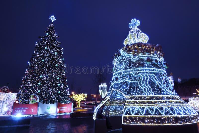 圣诞节和新年2019装饰在Zaryadye公园在莫斯科 库存图片