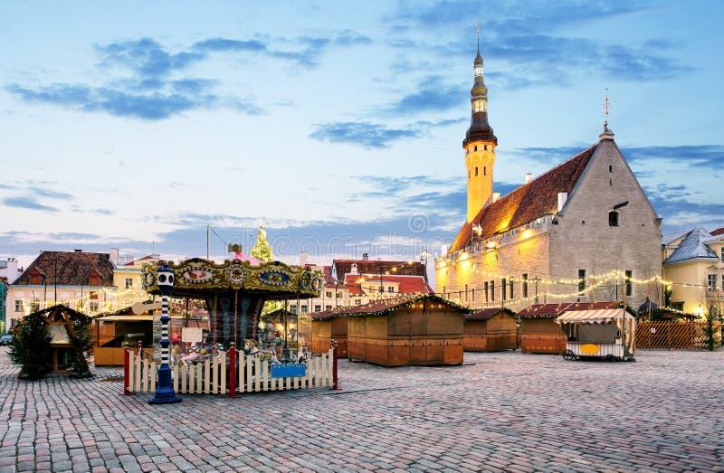 圣诞节在塔林 市政厅广场,爱沙尼亚 免版税库存照片