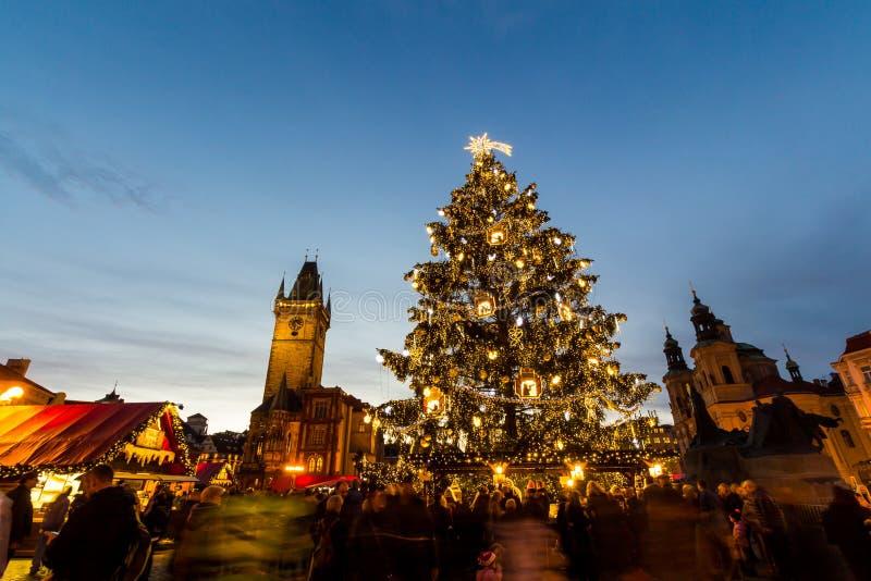 圣诞节在Oldtown广场(捷克:Staromestske namesti)布拉格,捷克 库存图片