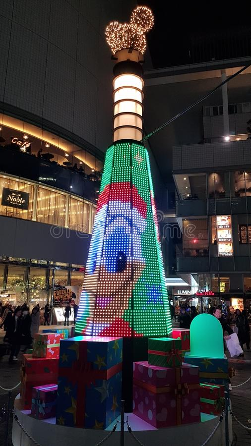 圣诞节在Yurakchuo驻地入口的庆祝装饰 免版税库存图片