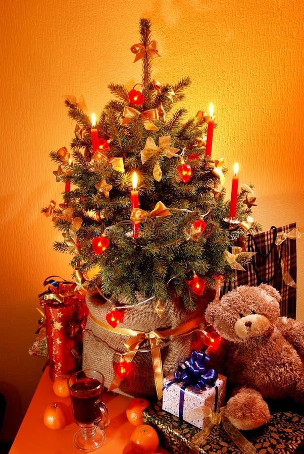 圣诞节少许结构树 免版税库存图片