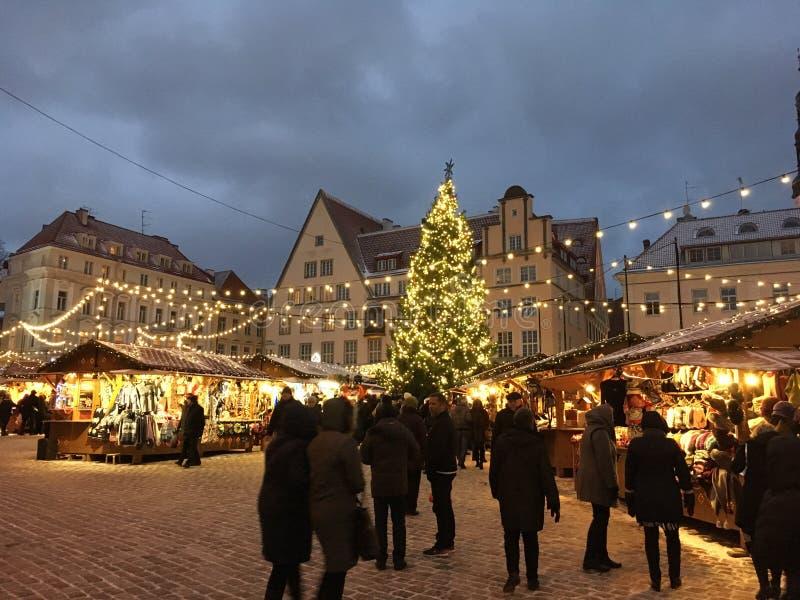 圣诞节市场在塔林爱沙尼亚2016年 免版税库存图片