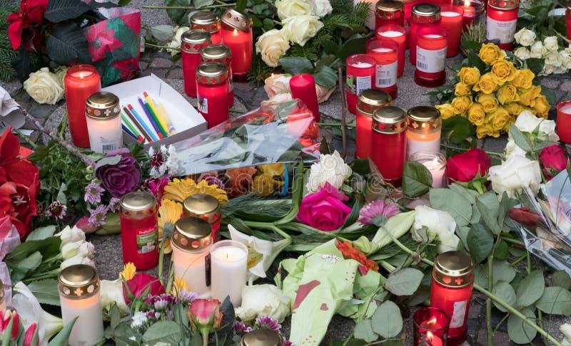 圣诞节市场在柏林,在恐怖分子atta以后的天 库存照片
