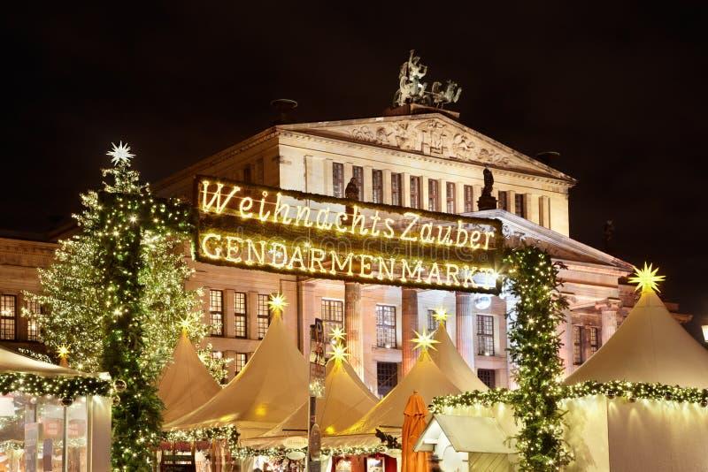 圣诞节市场在Gendarmenmarkt,柏林 免版税库存图片