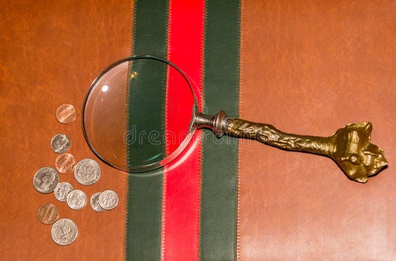 圣诞节带着皮革手提箱的颜色纹理 免版税库存照片