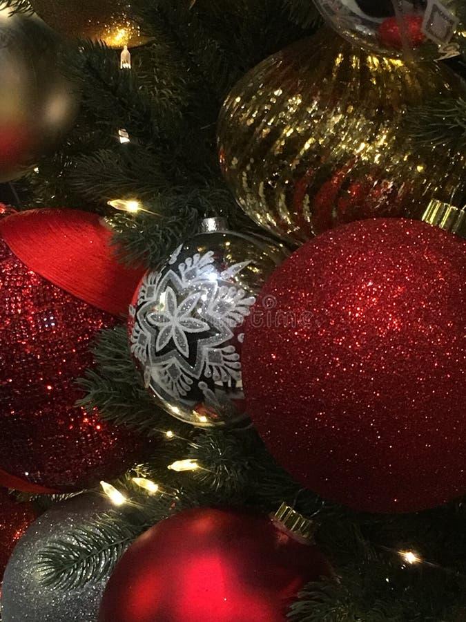 圣诞节庆祝玩具结构树 免版税库存照片