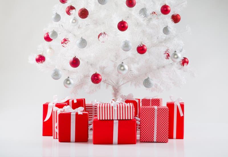Download 圣诞节我的投资组合结构树向量版本 库存图片. 图片 包括有 装饰品, 丝带, 令人愉快, 存在, 前夕, 醉汉 - 62532951