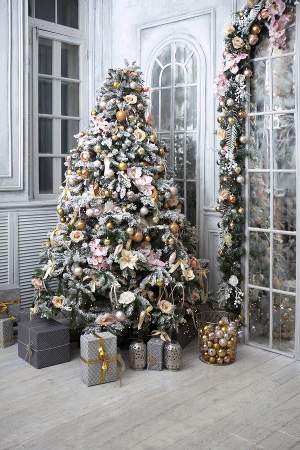 Download 圣诞节我的投资组合结构树向量版本 库存图片. 图片 包括有 概念, 季节性, 绿色, 沐浴者, 鞋类, 礼品 - 63605729