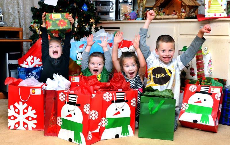 圣诞节早晨兴奋 免版税库存照片
