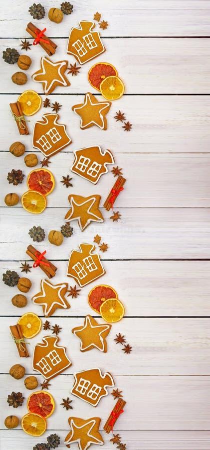 圣诞节的土气背景 烘烤在木背景 免版税图库摄影