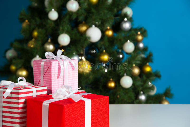 Download 圣诞节礼物盒 库存图片. 图片 包括有 编排者, 圣诞节, 醉汉, 丝带, 竹子, 沐浴者, 礼品, 停止 - 62532965