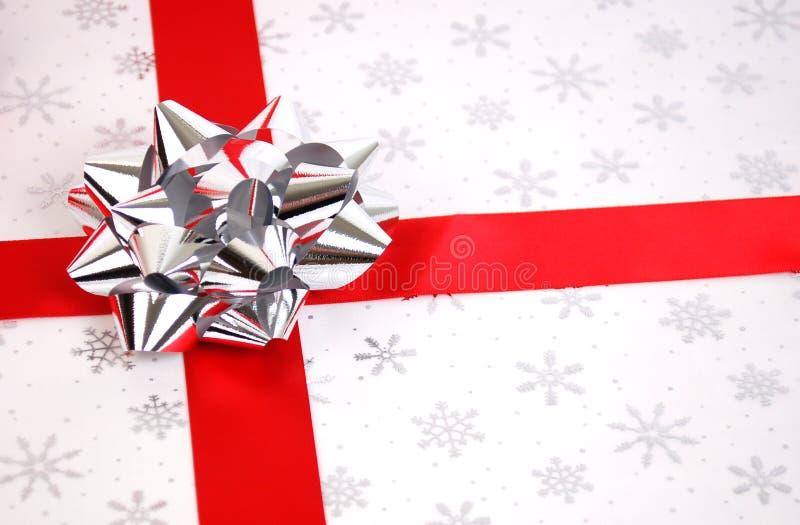 Download 圣诞节礼物 库存照片. 图片 包括有 问候, 剥落, 活动, 照亮, 欢呼, 基督, 雪花, 礼品, 产生 - 3652570