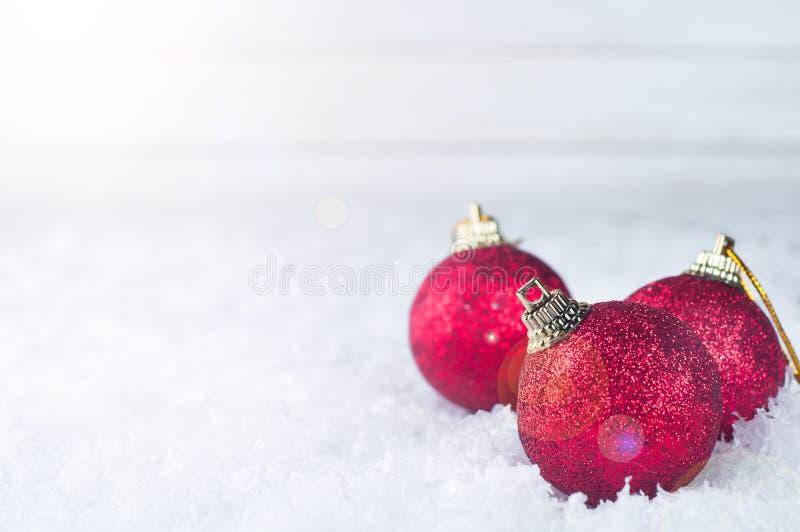 圣诞节红色球 免版税库存图片