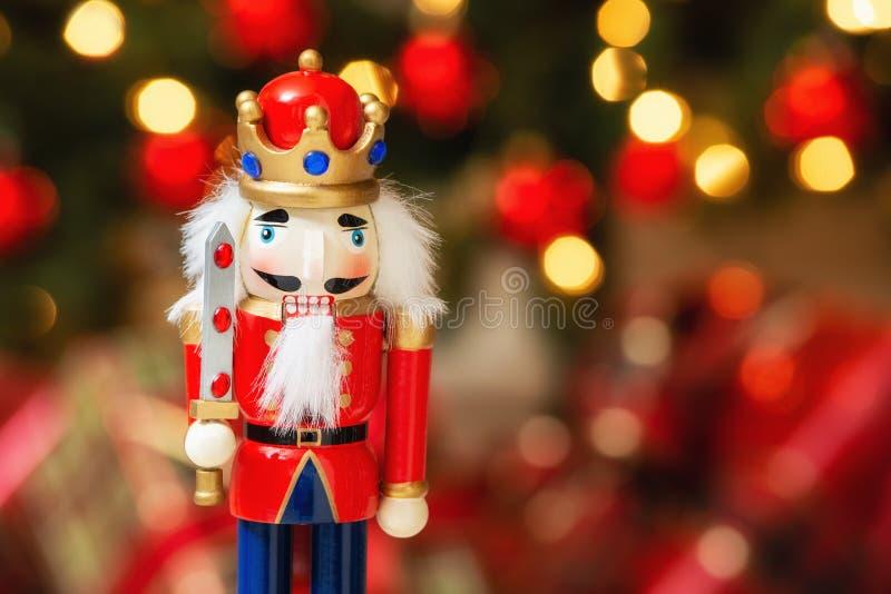 圣诞节胡桃钳有bokeh背景 库存照片