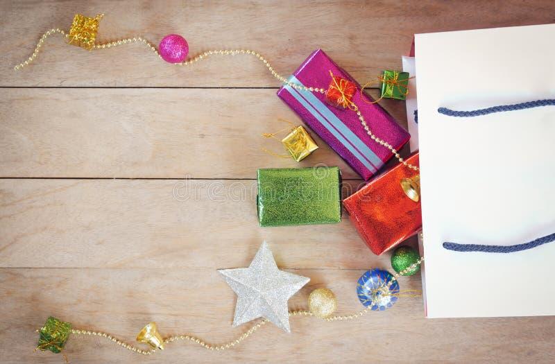 圣诞节节日礼物购物背景 免版税图库摄影