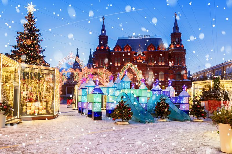 圣诞节莫斯科 为圣诞节装饰的Manezhnaya广场我 库存图片